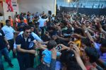 Ranbir Kapoor during the Mumbai City FC Dahi Handi Utsav at Shahaji Raje Bhosle Kreeda Sankul on 25th Aug 2016 (105)_57bff974a462d.JPG