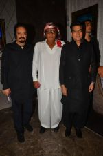 Ranjeet, Jeetendra at The Flying Jatt premiere on 24th Aug 2016 (75)_57bff1f08d8aa.JPG