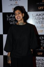 Sapna Bhavnani at Lakme Fashion Week 2016 Day 2 on 25th Aug 2016 (130)_57c00b02c0bff.JPG