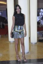 Ujjwala Raut at H & M store launch at Phoenix Market City on 25th Aug 2016 (49)_57bff510432e7.JPG