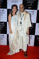 at Lakme Fashion Week 2016 Day 2 on 25th Aug 2016 (116)_57c0076179a5a.JPG