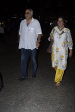 Boney Kapoor, Shabana Azmi snapped at airport on 26th Aug 2016 (4)_57c101c70f283.JPG