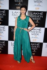 Daisy Shah at Payal Singhal and Priyadarshini Rao Red Carpet at Lakme Fashion Week 2016 on 26th Aug 2016 (133)_57c1840f3f29a.JPG