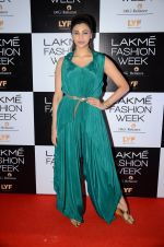 Daisy Shah at Payal Singhal and Priyadarshini Rao Red Carpet at Lakme Fashion Week 2016 on 26th Aug 2016