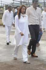 Kashmira Shah at Krushna Abhishek_s father funeral on 26th Aug 2016 (3)_57c1035f6ac93.JPG