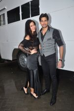 Katrina Kaif and Sidharth Malhotra snapped in Mumbai on 26th Aug 2016 (23)_57c102a6a495d.JPG