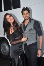 Katrina Kaif and Sidharth Malhotra snapped in Mumbai on 26th Aug 2016 (35)_57c103169dc62.JPG