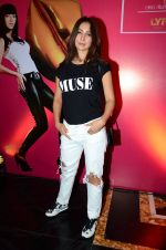 Kim Sharma at Lakme Fashion Week 2016 Day 3 on 26th Aug 2016