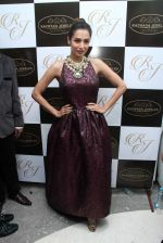 Malaika Arora Khan snapped at jewellery event on 26th Aug 2016 (29)_57c1025920ba5.JPG
