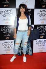 Manasi Scott at Payal Singhal and Priyadarshini Rao Red Carpet at Lakme Fashion Week 2016 on 26th Aug 2016 (126)_57c1843d0c4f3.JPG