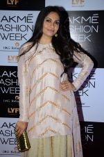 Maria Goretti at Payal Singhal and Priyadarshini Rao Red Carpet at Lakme Fashion Week 2016 on 26th Aug 2016 (65)_57c18473e7f14.JPG