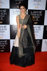 Mouni Roy at Payal Singhal and Priyadarshini Rao Red Carpet at Lakme Fashion Week 2016 on 26th Aug 2016