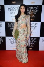 Perina Qureshi at Payal Singhal and Priyadarshini Rao Red Carpet at Lakme Fashion Week 2016 on 26th Aug 2016 (140)_57c1850237932.JPG