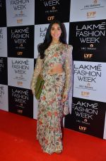 Perina Qureshi at Payal Singhal and Priyadarshini Rao Red Carpet at Lakme Fashion Week 2016 on 26th Aug 2016 (15)_57c184e5c0d46.JPG