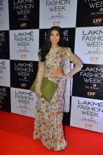 Perina Qureshi at Payal Singhal and Priyadarshini Rao Red Carpet at Lakme Fashion Week 2016 on 26th Aug 2016 (21)_57c184f46cc39.JPG