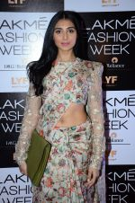 Perina Qureshi at Payal Singhal and Priyadarshini Rao Red Carpet at Lakme Fashion Week 2016 on 26th Aug 2016 (141)_57c18504e0e69.JPG
