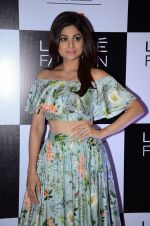 Shamita Shetty at Payal Singhal and Priyadarshini Rao Red Carpet at Lakme Fashion Week 2016 on 26th Aug 2016 (120)_57c185030f53a.JPG