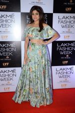 Shamita Shetty at Payal Singhal and Priyadarshini Rao Red Carpet at Lakme Fashion Week 2016 on 26th Aug 2016 (130)_57c1852835807.JPG