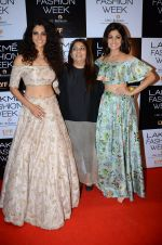 Shamita Shetty at Payal Singhal and Priyadarshini Rao Red Carpet at Lakme Fashion Week 2016 on 26th Aug 2016 (161)_57c1852adb7e1.JPG