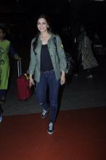 Sonali Bendre snapped at airport on 26th Aug 2016 (38)_57c102180ed50.JPG
