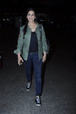 Sonali Bendre snapped at airport on 26th Aug 2016 (34)_57c1020fcd368.JPG