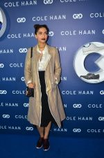 Sonam Kapoor at the launch of Cole Haan in India on 26th Aug 2016 (332)_57c17e2633c22.JPG
