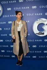 Sonam Kapoor at the launch of Cole Haan in India on 26th Aug 2016 (333)_57c17e2a6e596.JPG
