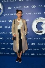 Sonam Kapoor at the launch of Cole Haan in India on 26th Aug 2016 (336)_57c17e34ba3de.JPG