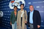Sonam Kapoor at the launch of Cole Haan in India on 26th Aug 2016 (339)_57c17e3b275d0.JPG