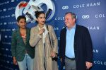 Sonam Kapoor at the launch of Cole Haan in India on 26th Aug 2016 (342)_57c17e42def38.JPG