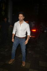 Varun Dhawan launches Sophie Choudry_s new album on 27th Aug 2016 (18)_57c1b2c9d93aa.jpg