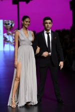 Amit Sadh walk the ramp for Shantanu and Nikhil Show at Lakme Fashion Week 2016 on 27th Aug 2016 (1234)_57c2c6f33cb6d.JPG
