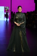 Genelia D Souza walk the ramp for Shantanu and Nikhil Show at Lakme Fashion Week 2016 on 27th Aug 2016 (1157)_57c2c6fcaaec1.JPG