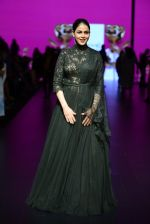 Genelia D Souza walk the ramp for Shantanu and Nikhil Show at Lakme Fashion Week 2016 on 27th Aug 2016 (1180)_57c2c73bc9822.JPG