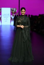 Genelia D Souza walk the ramp for Shantanu and Nikhil Show at Lakme Fashion Week 2016 on 27th Aug 2016 (1184)_57c2c74b781a1.JPG