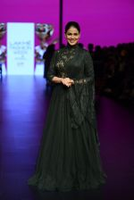 Genelia D Souza walk the ramp for Shantanu and Nikhil Show at Lakme Fashion Week 2016 on 27th Aug 2016 (1185)_57c2c74e509c4.JPG