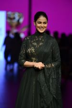 Genelia D Souza walk the ramp for Shantanu and Nikhil Show at Lakme Fashion Week 2016 on 27th Aug 2016 (1190)_57c2c75f5cc52.JPG