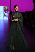 Genelia D Souza walk the ramp for Shantanu and Nikhil Show at Lakme Fashion Week 2016 on 27th Aug 2016 (1162)_57c2c70683ce1.JPG