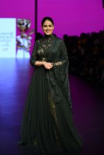 Genelia D Souza walk the ramp for Shantanu and Nikhil Show at Lakme Fashion Week 2016 on 27th Aug 2016 (1164)_57c2c709a2e14.JPG