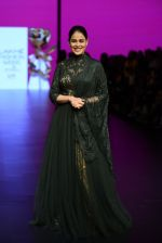 Genelia D Souza walk the ramp for Shantanu and Nikhil Show at Lakme Fashion Week 2016 on 27th Aug 2016 (1165)_57c2c70b40bca.JPG