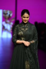 Genelia D Souza walk the ramp for Shantanu and Nikhil Show at Lakme Fashion Week 2016 on 27th Aug 2016 (1167)_57c2c70ec53d1.JPG