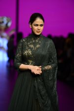 Genelia D Souza walk the ramp for Shantanu and Nikhil Show at Lakme Fashion Week 2016 on 27th Aug 2016 (1169)_57c2c713cb0c2.JPG