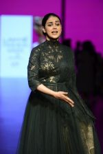 Genelia D Souza walk the ramp for Shantanu and Nikhil Show at Lakme Fashion Week 2016 on 27th Aug 2016 (1171)_57c2c717c0d0a.JPG