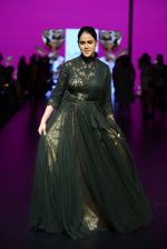 Genelia D Souza walk the ramp for Shantanu and Nikhil Show at Lakme Fashion Week 2016 on 27th Aug 2016 (1174)_57c2c7220b33a.JPG