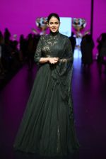 Genelia D Souza walk the ramp for Shantanu and Nikhil Show at Lakme Fashion Week 2016 on 27th Aug 2016 (1177)_57c2c7300c834.JPG