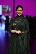 Genelia D Souza walk the ramp for Shantanu and Nikhil Show at Lakme Fashion Week 2016 on 27th Aug 2016 (1192)_57c2c7676beff.JPG