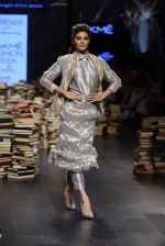 Jacqueline Fernandez walk the ramp for Rajesh Pratap Singh Show at Lakme Fashion Week 2016 on 27th Aug 2016 (26)_57c2db45d8164.JPG