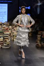 Jacqueline Fernandez walk the ramp for Rajesh Pratap Singh Show at Lakme Fashion Week 2016 on 27th Aug 2016 (27)_57c2db49aebbd.JPG