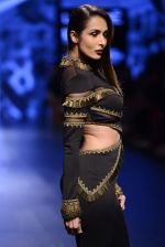 Malaika Arora Khan walk the ramp for Shantanu and Nikhil Show at Lakme Fashion Week 2016 on 27th Aug 2016 (1749)_57c2c7a9e0de8.JPG