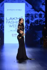 Malaika Arora Khan walk the ramp for Shantanu and Nikhil Show at Lakme Fashion Week 2016 on 27th Aug 2016 (1771)_57c2c7d4cb3b0.JPG